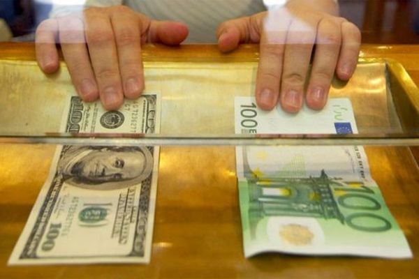 Դոլարը, եվրոն թանկացել են, ռուբլին՝ էժանացել